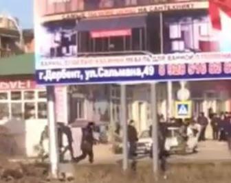 В Дербенте со стрельбой разогнали демонстрацию