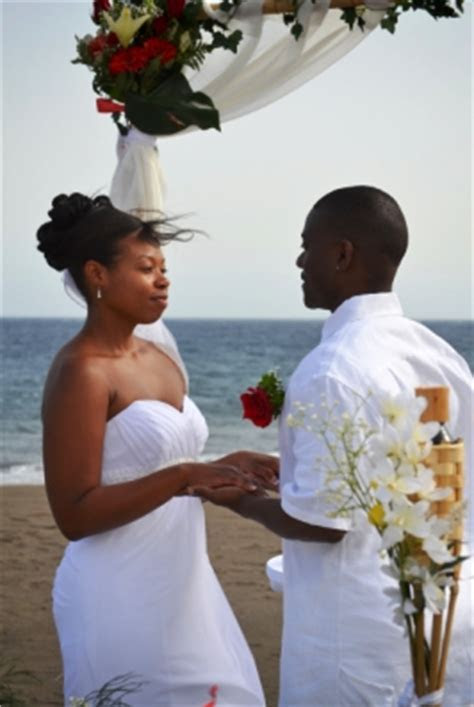 Wonderful beach ceremony in Tenerife and gorgeous photo shoot!
