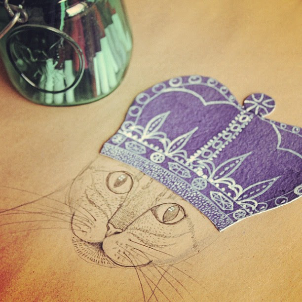 I should be packing instead of drawing royal kitties...but I can't help it. It's @cozymemories fault ;-)