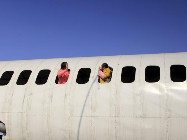 Agricultor afirmou que pretende mais tarde transformar o Boeing em restaurante (Foto: Reuters)