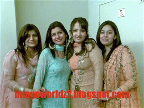indian girls mobile relationship    desi