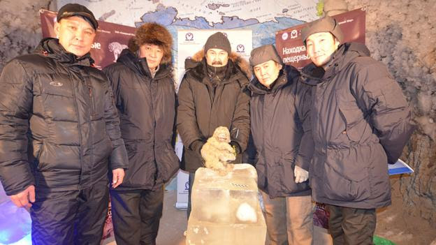 The cave lion cub team (Credit: Academy of Sciences of the Republic of Sakha (Yakutia))