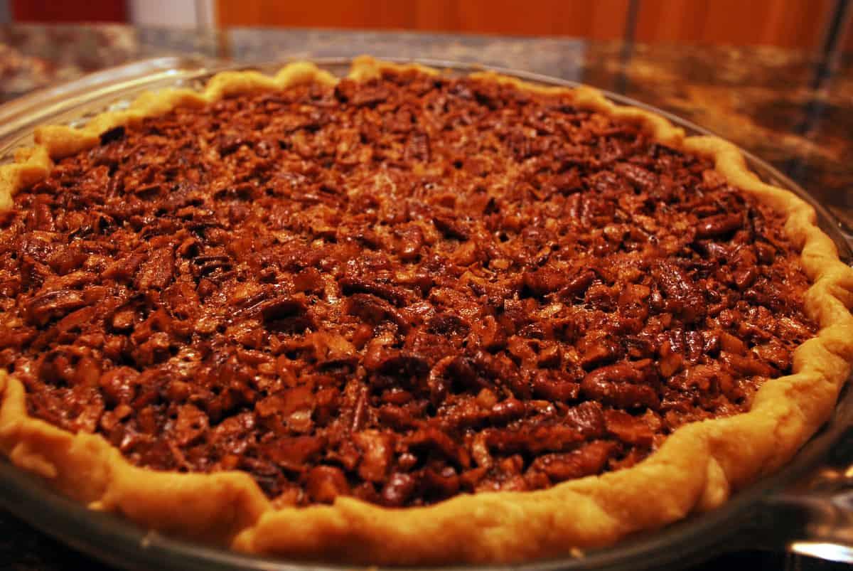 http://www.fromvalerieskitchen.com/wordpress/wp-content/uploads/2011/11/2011-11-22-Bourbon-Pecan-Pie-001.jpg