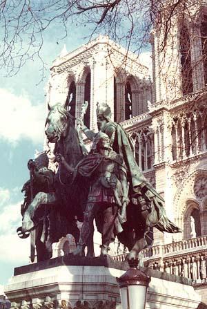 Charlemagne1.jpg - 51755 Bytes