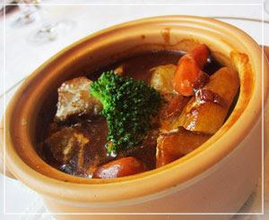 銀座「資生堂パーラー」にて、伝統の味ビーフシチュー。すんばらしく美味しかった♪