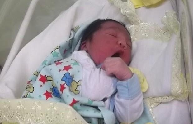 Pedro Henrique Almeida Rodrigues nasceu com mais de 3 kg (Foto: Divulgação/Secretaria Municipal de Saúde)