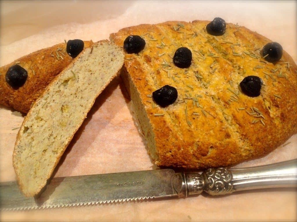 Low carb foccacia bread | ditchthecarbs.com