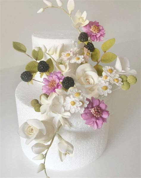 How to Make Little Filler Sugar Flowers   Two Day Class