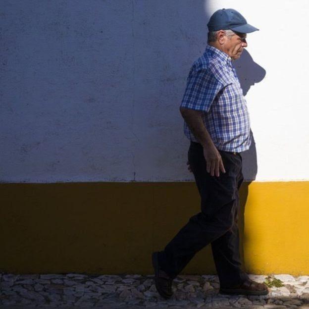 """Quando Rufino Borrego voltou a andar, povo de sua cidade achou que havia acontecido """"um milagre""""  (Foto: REINALDO RODRIGUES GLOBAL IMAGENS)"""