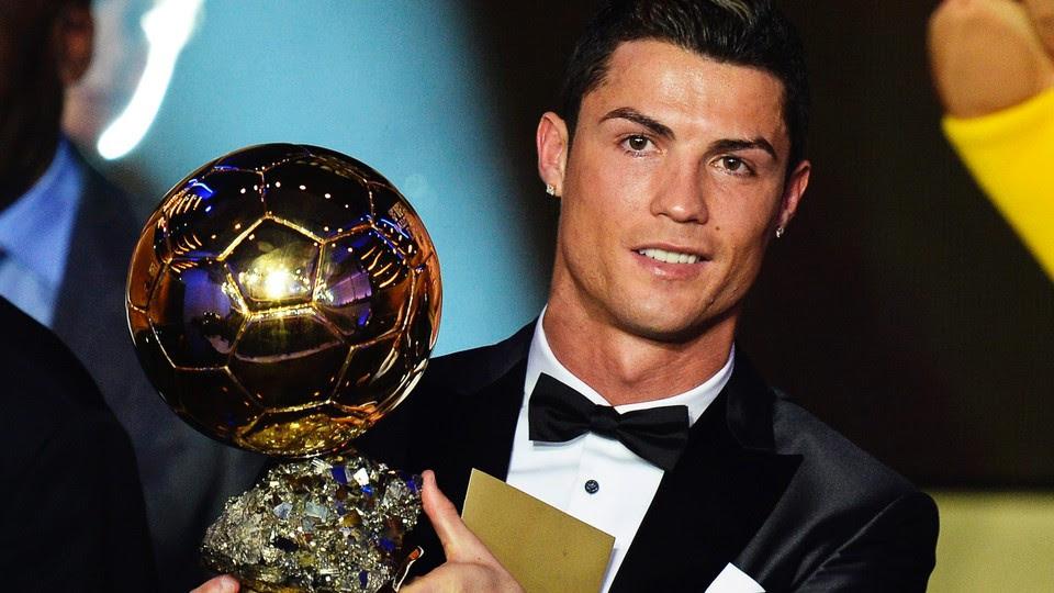 Resultado de imagem para Cristiano Ronaldo leva Bola de Ouro pela quarta vez