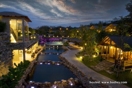 32 Resort Overall Suite