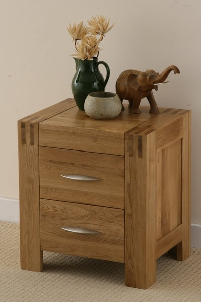 Alto Solid Oak Small Bedside Chest of Drawers