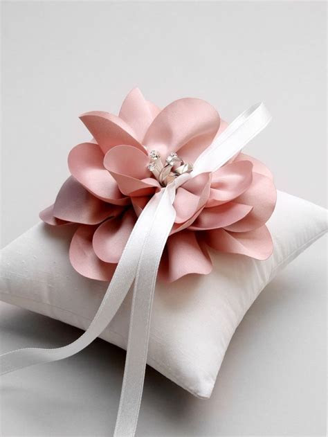 25  best ideas about Wedding pillows on Pinterest