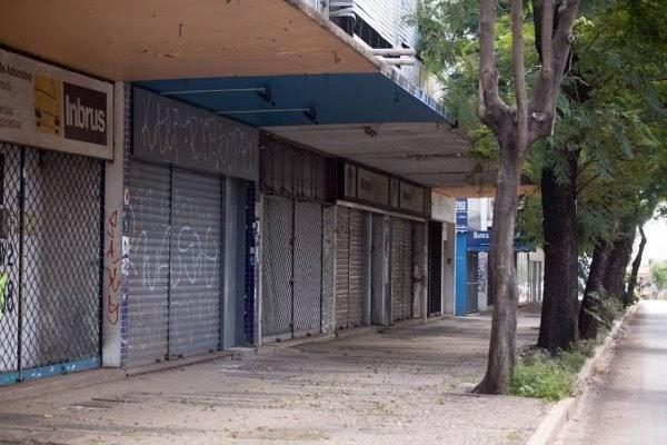 Empresários preparam protestos contra novo lockdown imposto no DF