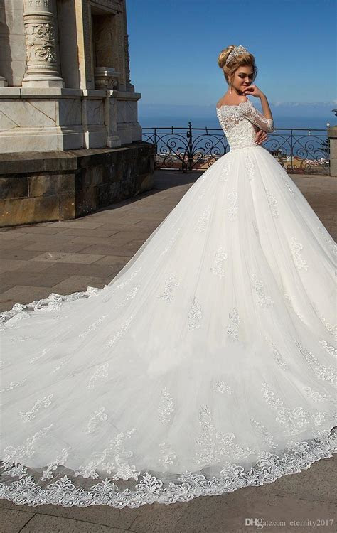 Elegant White Lace Ball Gown Wedding Dresses With Sleeves