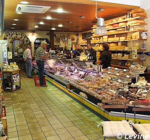 Gransjean Wijnen & Delicatessen [http://www.gransjean.nl/] in Den Haag