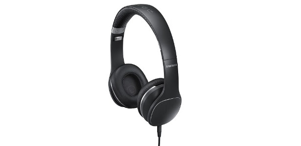 Headphone Samsung Level On tem áudio claro e alto, mas som vaza