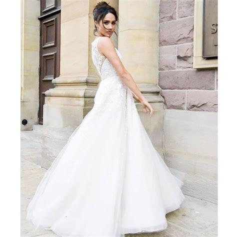 Photos of the 50 million wedding dress that Meghan Markle