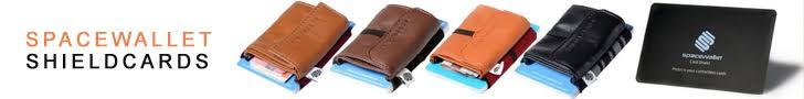 Spacewallet er en smart lille pung som både kan indeholde op til 15 kreditkort - Sedler og mønter  Spacewallet findes også i flere farver og leveres i en gave æske