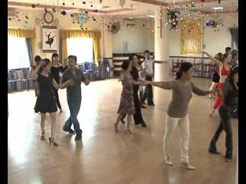 học khiêu vũ cho người lớn tuổi