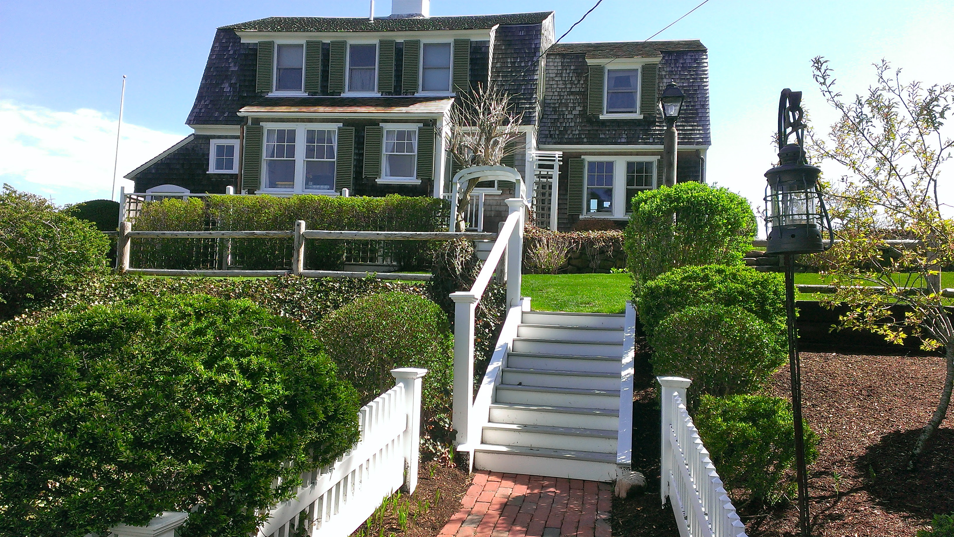 Cape Cod Vacation Rentals  The Platinum Pebble Boutique Inn