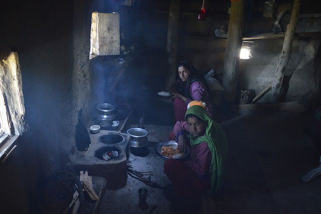 Women and children are the primary victims of indoor air pollution in poor, rural areas of India. Credit: Athar Parvaiz/IPS