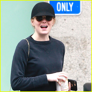 Emma Stone Runs Errands with Her Mom in LA