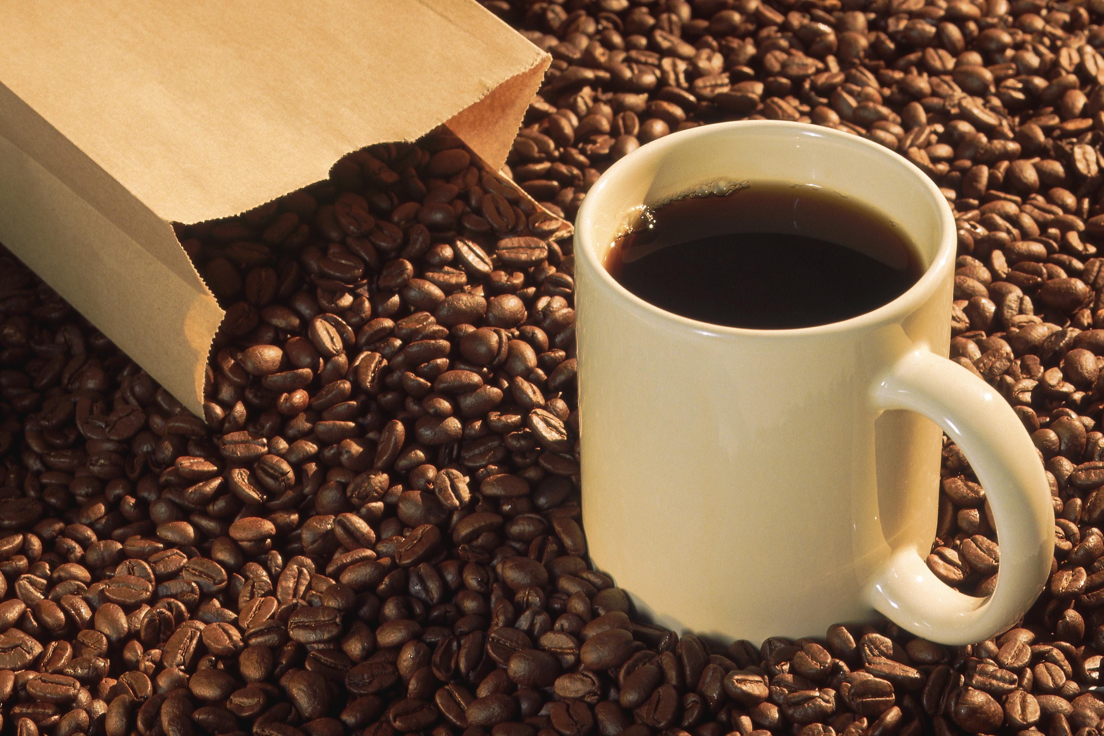 Caffeine in Coffee Vs. Soda | Healthfully