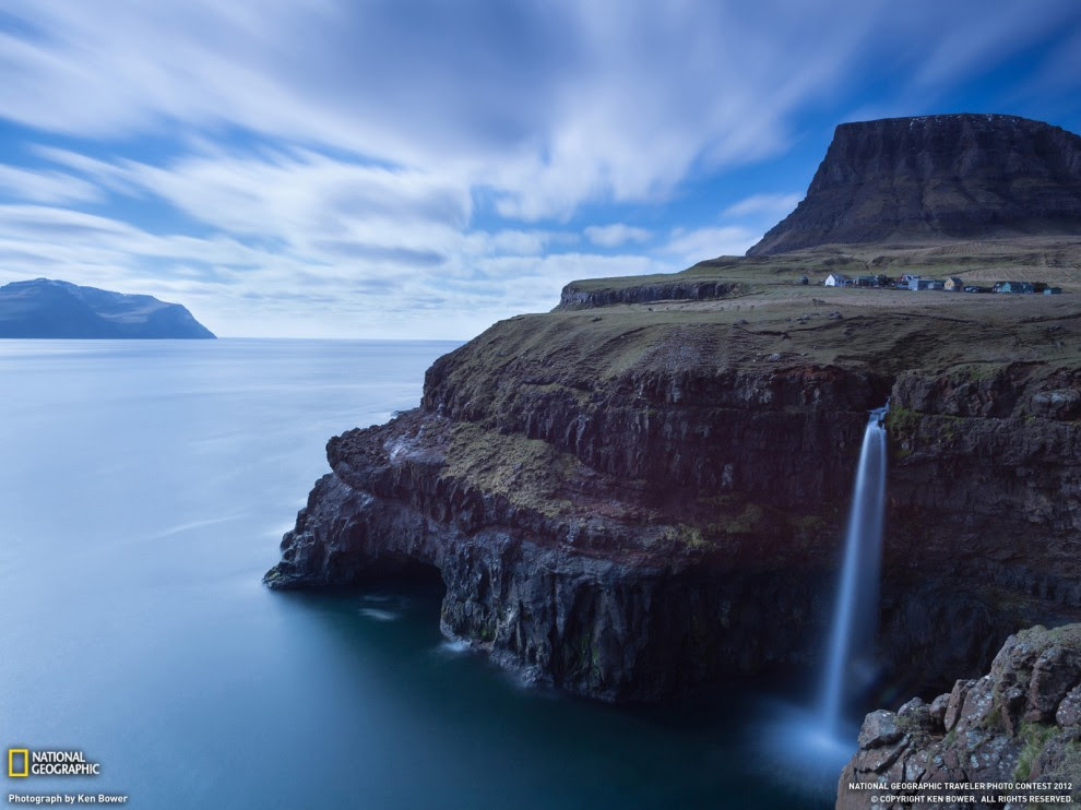 26 990x742 Desktop wallpapers from National Geographic for June 2012