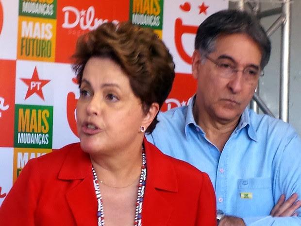 Dilma Rousseff fala a jornalistas ao lado de Fernando Pimentel, candidato ao governo de Minas Gerais (Foto: Raquel Freitas/G1)