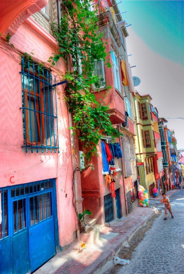 perierga.gr - Balat: Η πολύχρωμη συνοικία της Κωνσταντινούπολης!