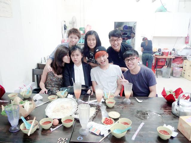 uni mates group pic