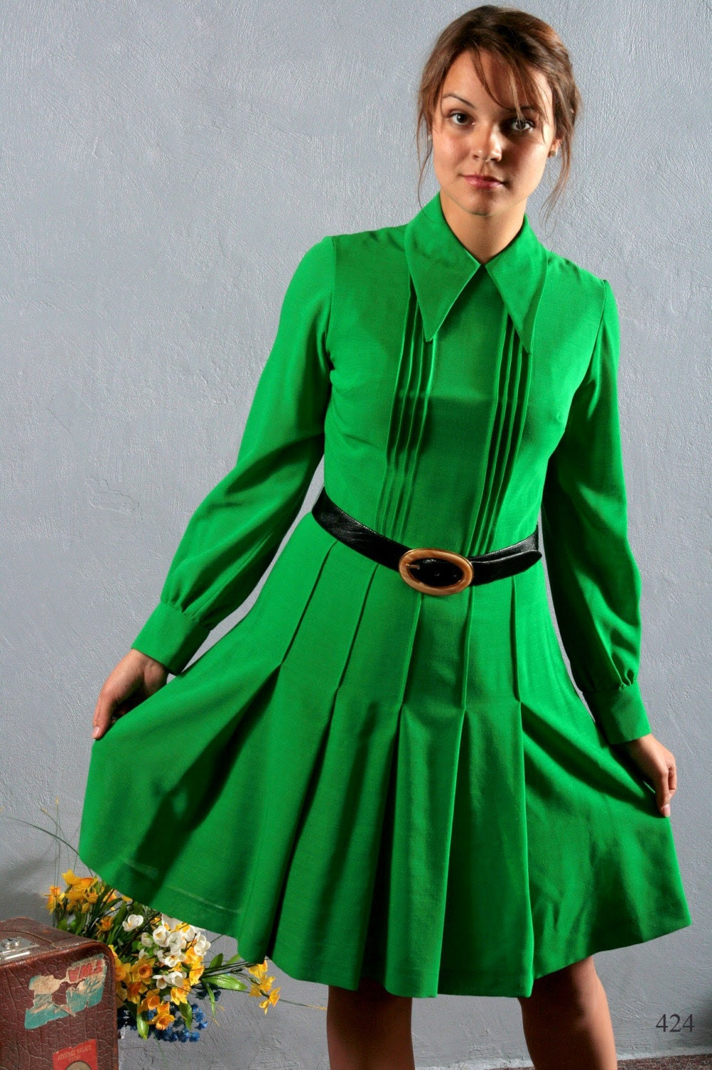 Vintage 60s   JADE or absinthe GREEN very vintage long sleeve PARISIAN lined dress, size Small/ Medium