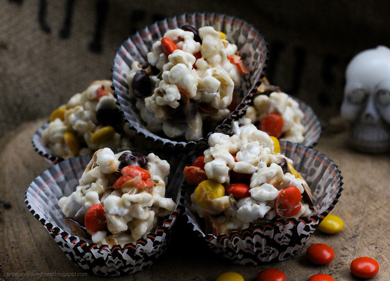 Halloween Peanut Butter Marshmallow Popcorn Balls// Loves Food, Loves to Eat