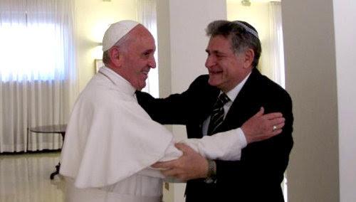 El Antipapa Francisco practica el judaísmo con Abraham Skorka en el Vaticano