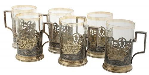 Set de șase pahare ruseşti din argint și sticlă aurită, decorate în tehnică niello