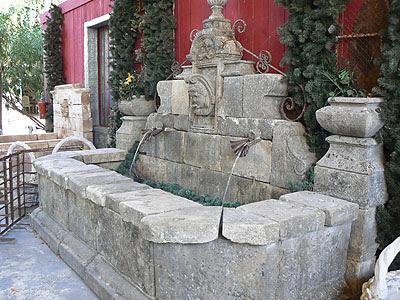 vieille fontaine à vendre.jpg