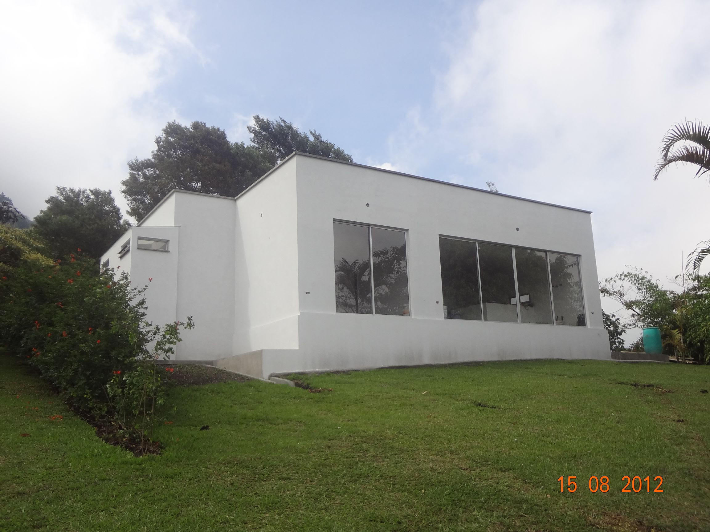 Casas de madera prefabricadas casas cubo modulares for Casas prefabricadas ocasion