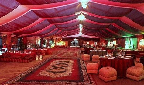 Arabian Nights   Arabian attire, ?bazaar? tent with market