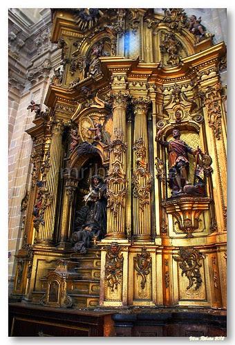 Altar lateral da Basílica Santa María del Coro by VRfoto