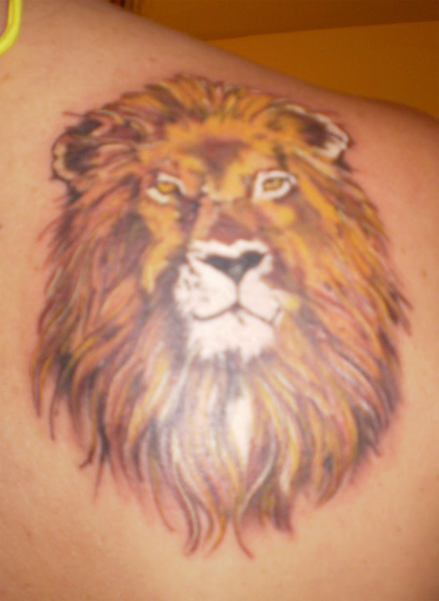 Amazing Lion Head Tattoo On Right Shoulder Animal Tattoos Tattoomagz