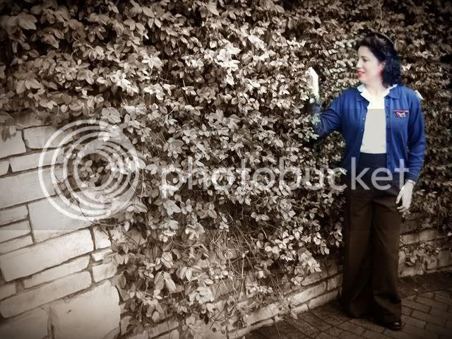 Daffny A Vintage Nerd 1940s vintage fashion blogger