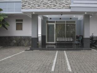 Alamat Hotel Murah House of Arsonia Bougainvillea Jakarta