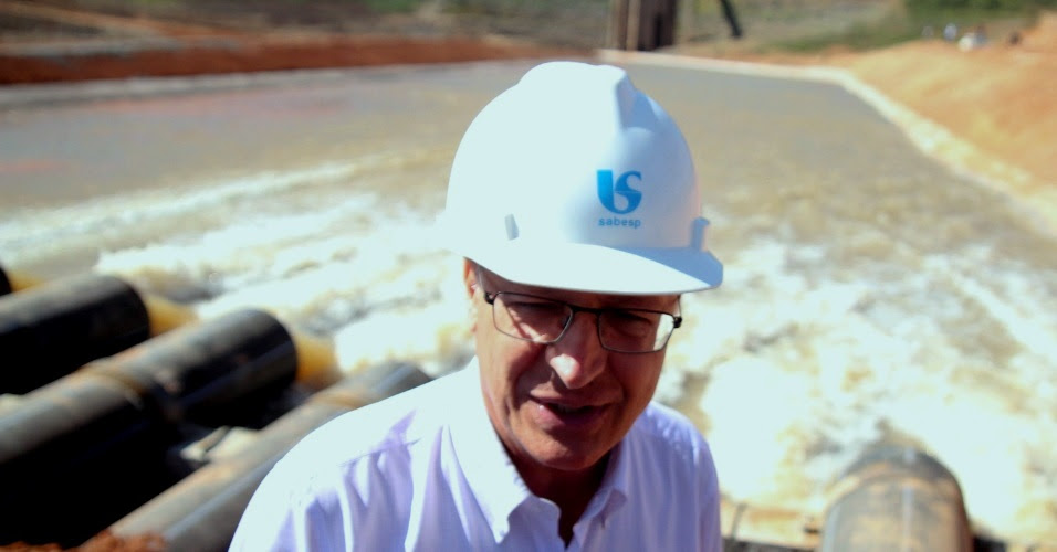 Resultado de imagem para alckmin bombas represa
