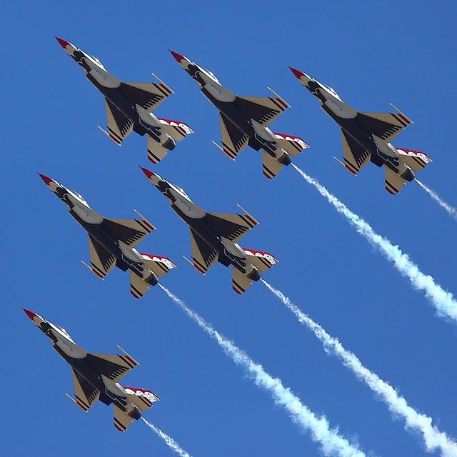 IMG_3364 Thunderbirds, Travis AFB Air Show