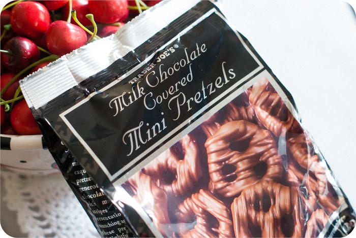 trader joe's milk chocolate pretzels review
