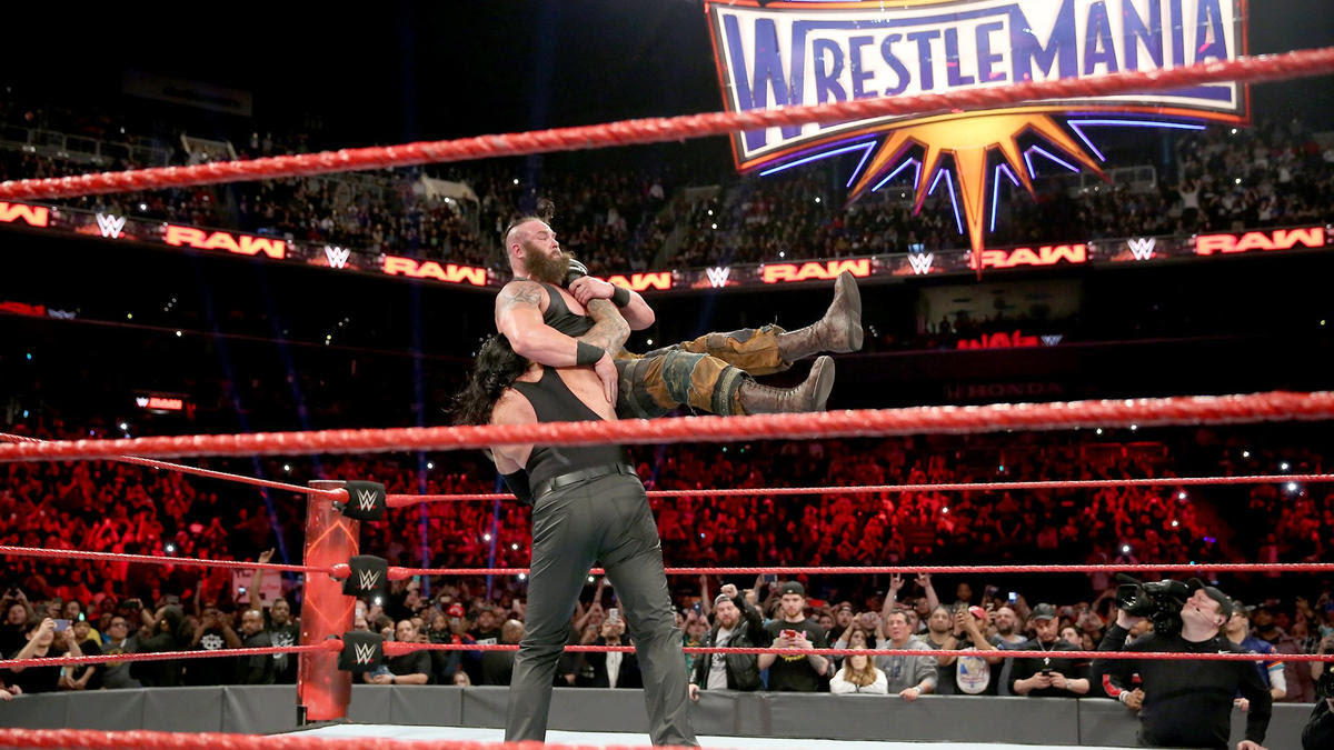 Strowman unwisely decides to attack The Deadman and got a chokeslam for his trouble.