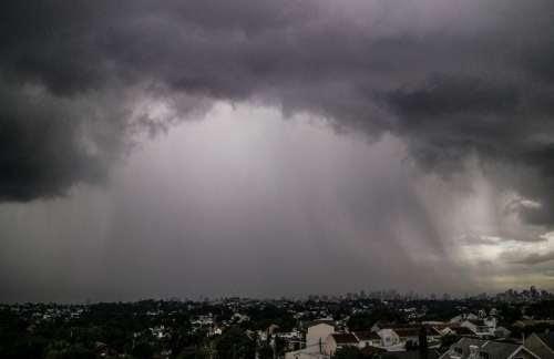 Simepar alerta para temporal e queda nas temperaturas no Paraná