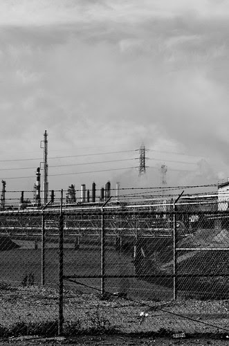 Carson ugly refinery