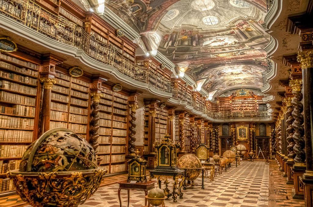 A mais bela biblioteca do mundo fica em Praga 02